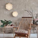 Stylet miljøfoto af Sonobe Light håndfoldede papirlamper af Charlotte Brandt, her vægmodel Cenora i small og large, lyset er tændt i lamperne så man kan se alle de smukkeskygger af lys i papirfolderne