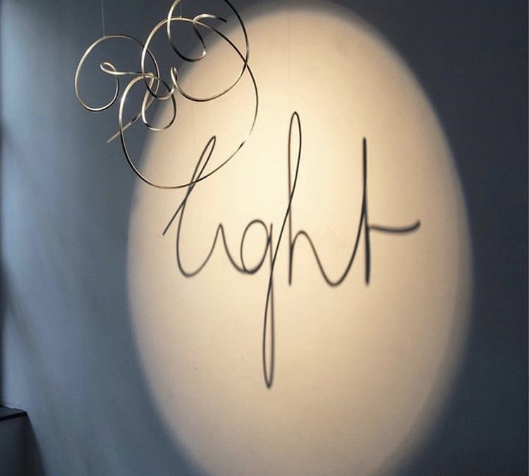 Lyset er det nye sort – papirlamper en tendens i tiden
