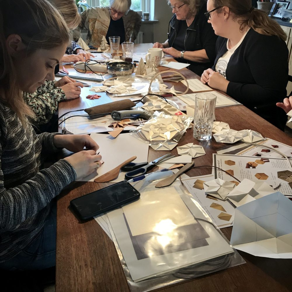 Foto fra papirworkshop afholdt af Charlotte Brandt
