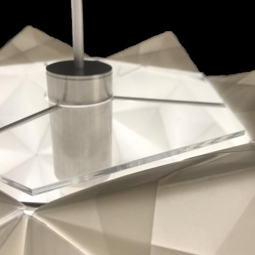 Foto af klart acryl støvlåg til håndfoldet papirlampe