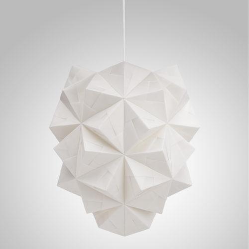 Sonobe Light, håndfoldet papirpendel model Amaea, med lyset slukket